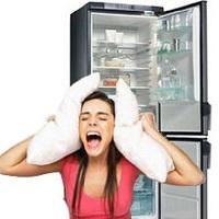 шумно работает холодильник