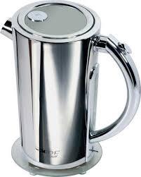 стильный металлический чайник
