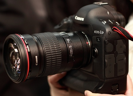 Зеркалка Canon EOS-1D X