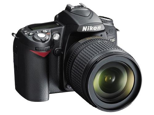 Nikon D90 - первый зеркальный фотоапарат с видеозаписью