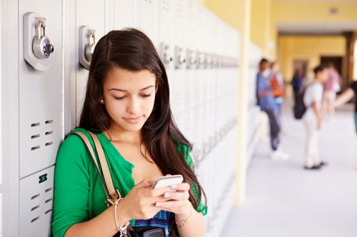 лучшие смартфоны для школьников