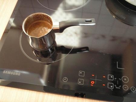 турочка кофе на индукционной плите