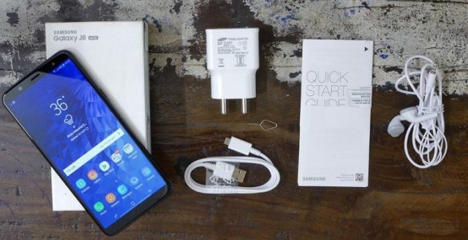 Samsung Galaxy J8 комплектация