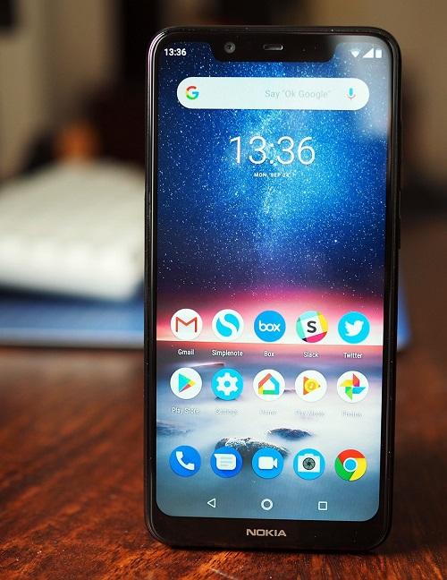 6fec99d0918dc Лучшее, что можно взять до 8000 рублей. Данный смартфон идет на Android  8.0, поддерживает 2 sim-карты, а главное – является участником программы  Android One ...