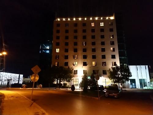 фото ночью на камеру Sony Xperia XA2 Plus