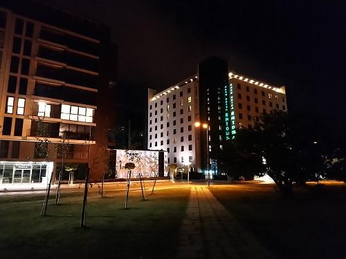 ночной снимок на камеру Sony Xperia XA2 Plus